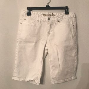 American Rag white short juniors size 5
